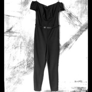 NWT Guess Off Shoulders Jumpsuit